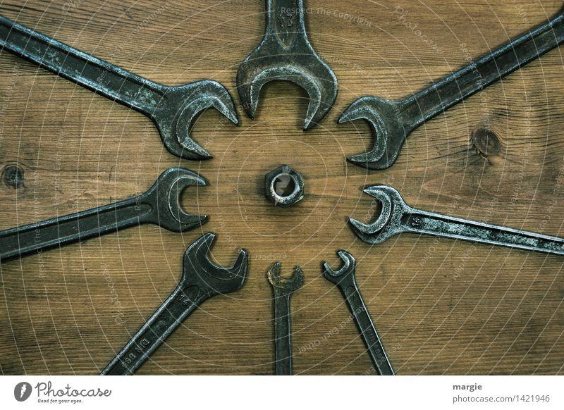 Bei Muttern Arbeit & Erwerbstätigkeit Handwerker Arbeitsplatz Dienstleistungsgewerbe Werkzeug Technik & Technologie Holz Metall braun silber Macht Treue