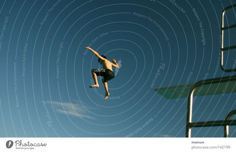 air chair Himmel Mann Jugendliche weiß blau Sommer Freude Wolken schwarz Sport Junge Freiheit springen Bewegung Luft Gesundheit