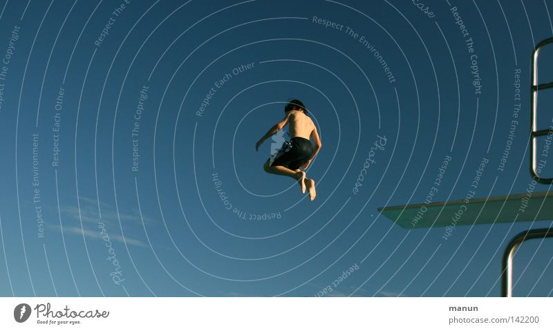 boy-jump Salto schwarz weiß türkis Wolken Luft Himmel Sport Freizeit & Hobby Nervenkitzel Gesundheit Körperbeherrschung Kick springen Jugendliche Mann Aktion