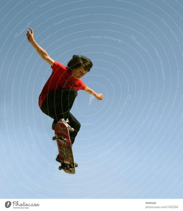 I feel good! Skateboarding schwarz weiß Wolken Luft Himmel Sport Freizeit & Hobby Gesundheit Körperbeherrschung Kick springen Junge Kind Jugendliche Aktion