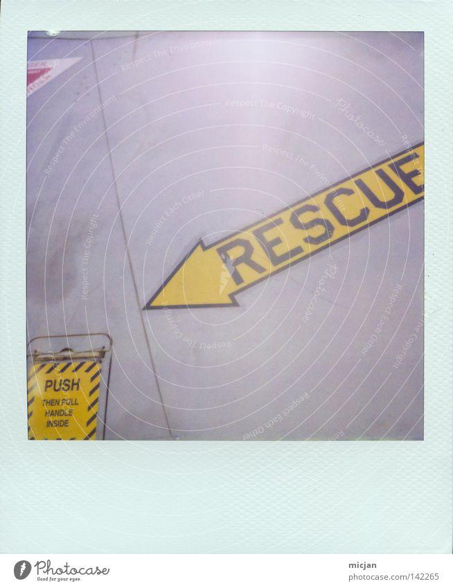 Ausstieg gelb Luft Metall Angst Flugzeug Schilder & Markierungen Hilfsbereitschaft Papier Aktion Schriftzeichen Buchstaben Pfeil Zeichen analog gruselig Stahl