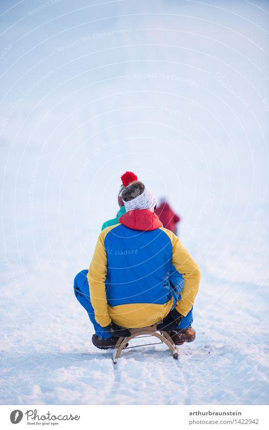 Schlittenfahren im Winter Mensch Kind Natur Jugendliche Junge Frau Junger Mann Freude kalt Erwachsene Leben Bewegung Schnee feminin Familie & Verwandtschaft