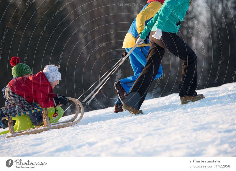Spaß im Winter Mensch Kind Natur Ferien & Urlaub & Reisen Jugendliche Junge Frau Junger Mann Freude Winter kalt Erwachsene Leben Bewegung Schnee feminin Familie & Verwandtschaft