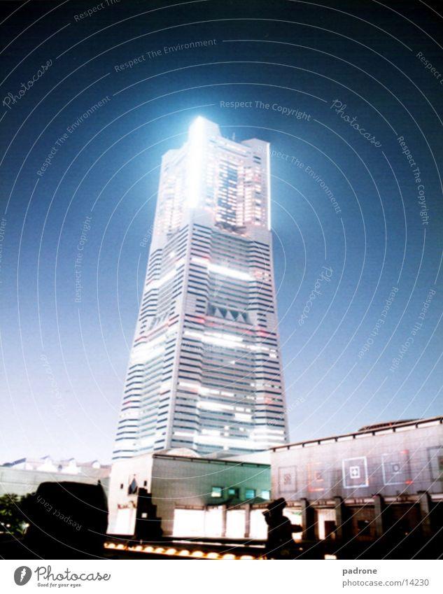 Sky-Craper @ night! Architektur Hochhaus hoch modern