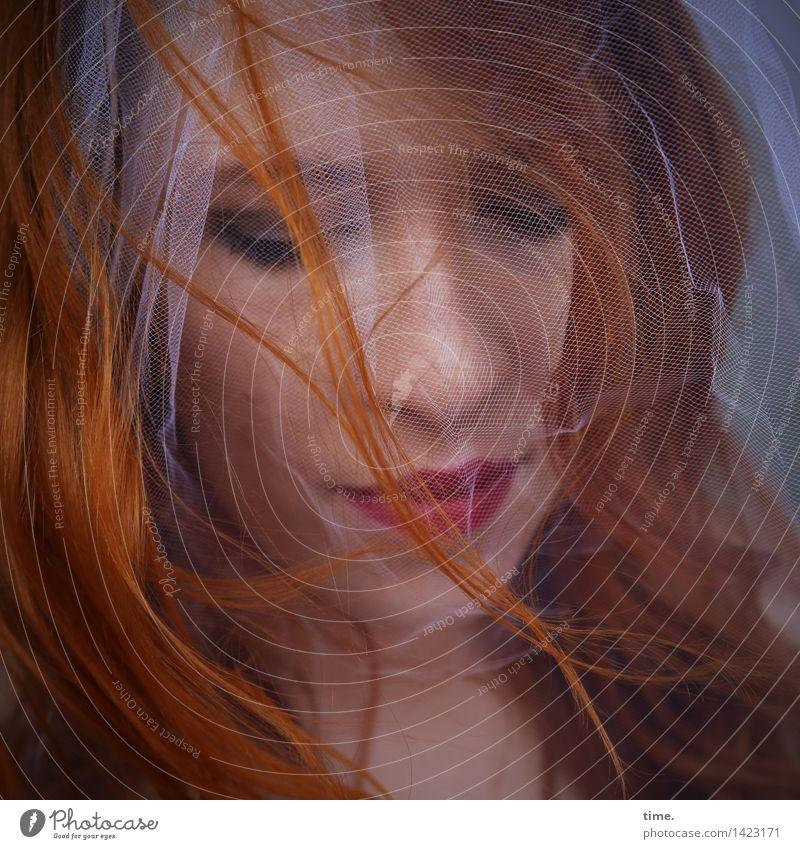 . feminin 1 Mensch Schleier rothaarig langhaarig Locken schön Leben Traurigkeit Sorge Trauer Müdigkeit Unlust Schmerz Sehnsucht Heimweh Fernweh Enttäuschung