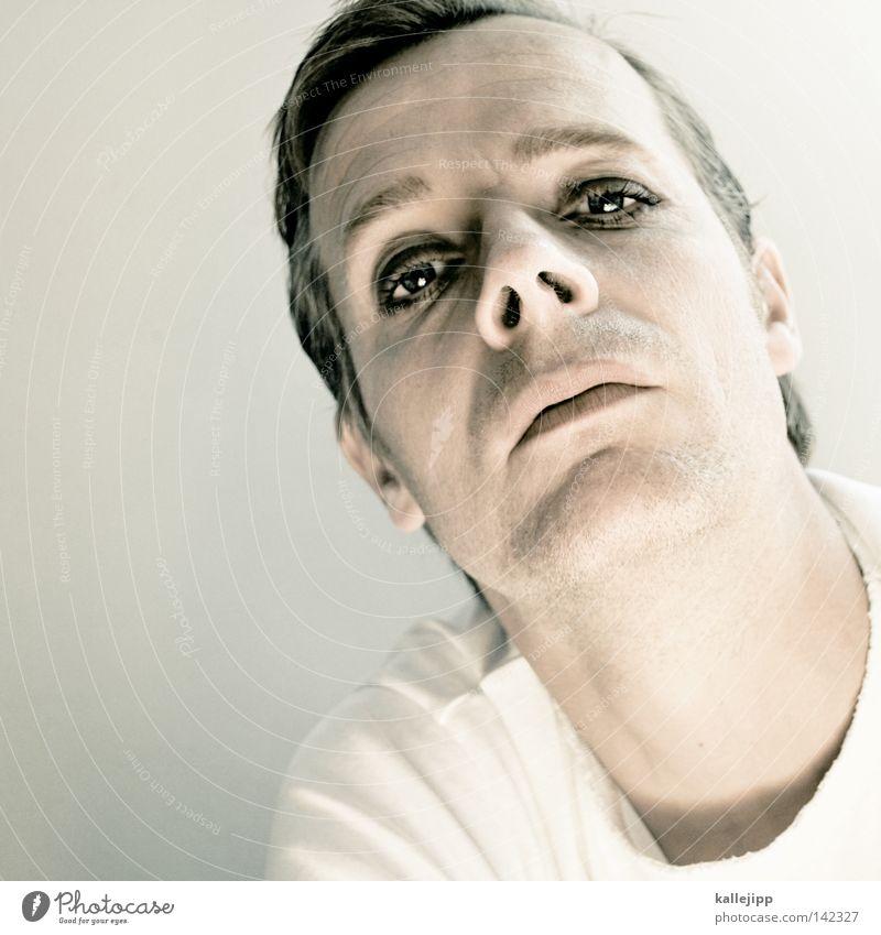 changes Ein Mann allein Porträt Männergesicht geschminkt Schminke Blick in die Kamera direkt provokant herausfordernd selbstbewußt Männerauge Homosexualität
