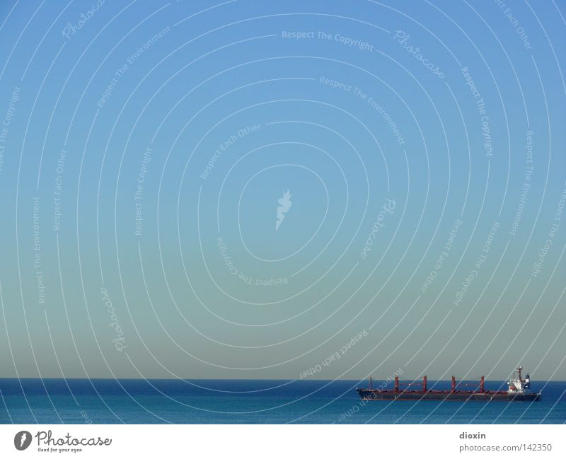Far, far away Wasser Himmel Meer blau See Wasserfahrzeug Horizont Güterverkehr & Logistik Sehnsucht Schifffahrt Schönes Wetter Container Dunst Flut Ebbe
