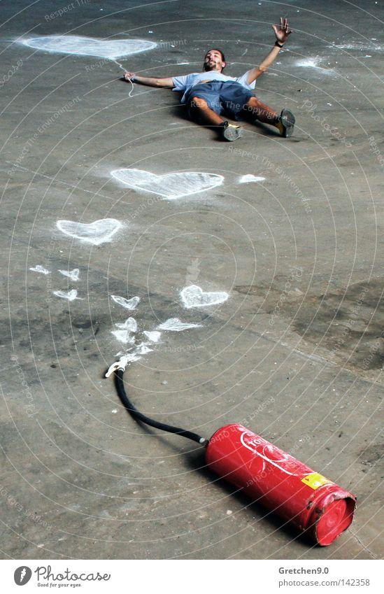 Feuer im Herzen weiß Unfall rot Freude Liebe Freiheit lachen Brandschutz Stein Luft fliegen frei Luftballon brennen