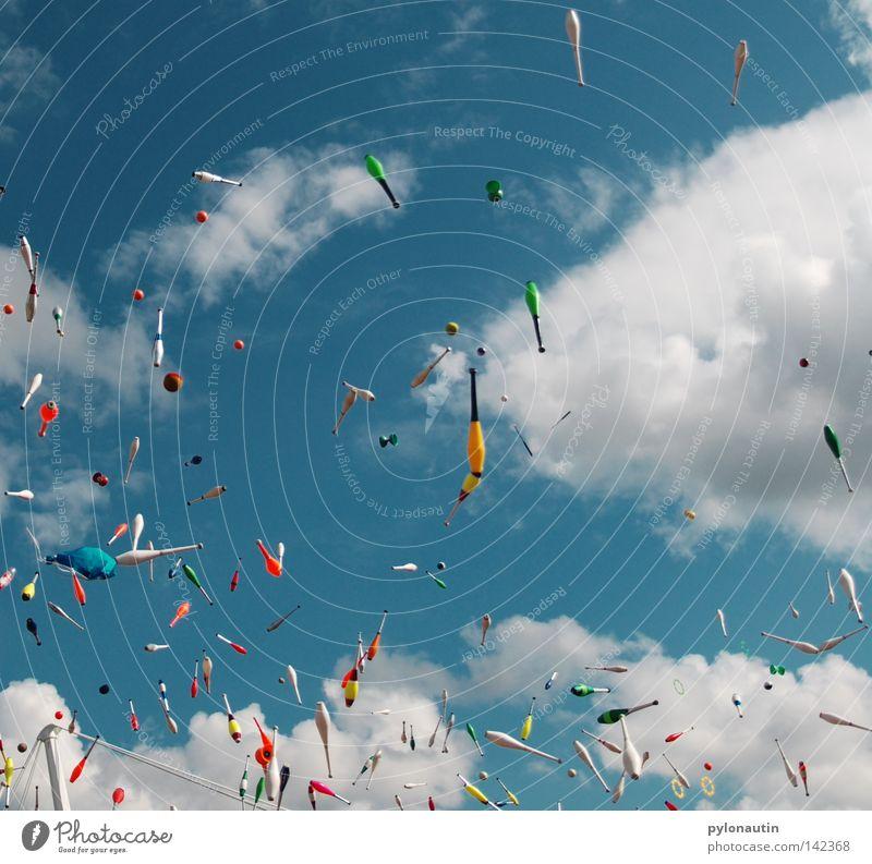 Toss Up 4 Himmel blau Sommer Freude Wolken Spielen Freizeit & Hobby fliegen hoch Europa Kreis Ball chaotisch werfen Musikfestival Teufel