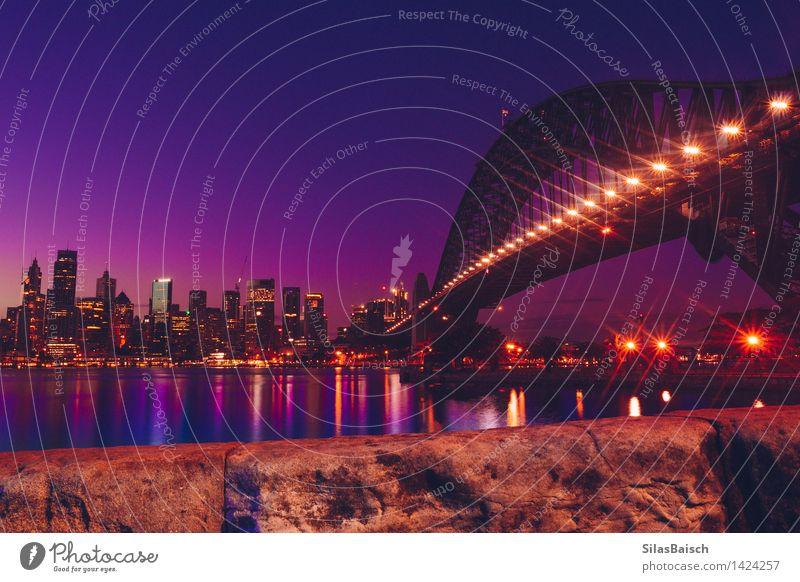 Sydney Skyline Wolkenloser Himmel Sonnenaufgang Sonnenuntergang Sonnenlicht Stadt Hafenstadt Stadtzentrum bevölkert überbevölkert Brücke Gebäude Architektur
