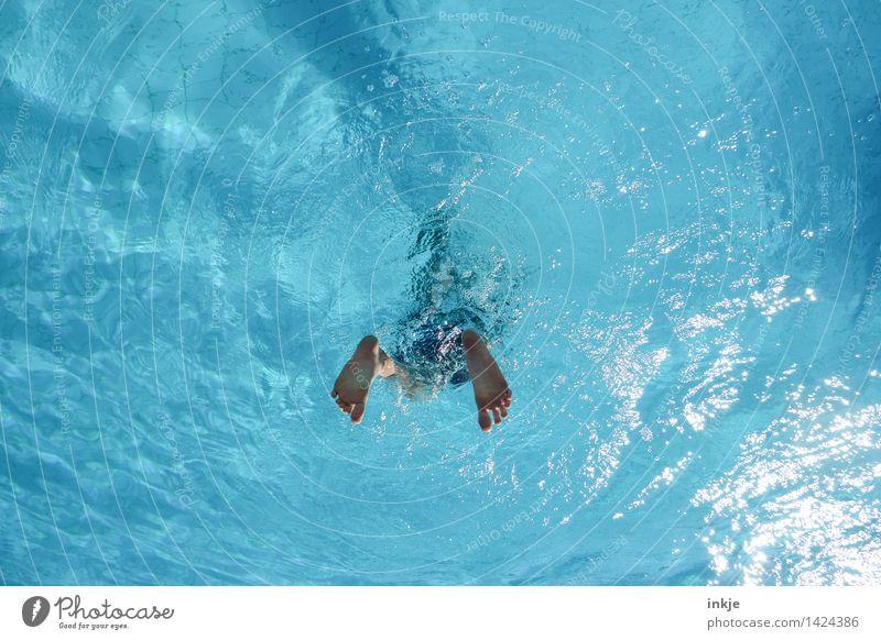 Taucherflossen Mensch Kind Ferien & Urlaub & Reisen Jugendliche Sommer Wasser Junger Mann Freude Leben Lifestyle Schwimmen & Baden Fuß springen Freizeit & Hobby