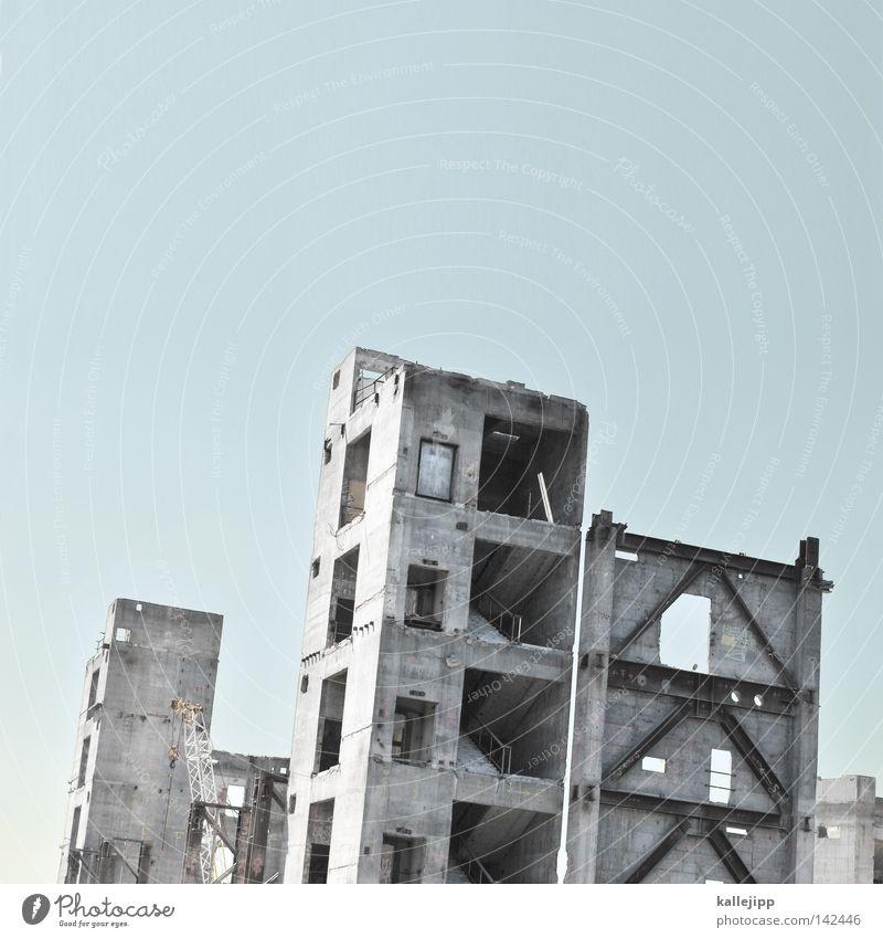 palast Himmel blau Berlin Tod Freiheit grau Mauer Deutschland Beton frei Baustelle Verfall Denkmal Vergangenheit Etage Symbole & Metaphern