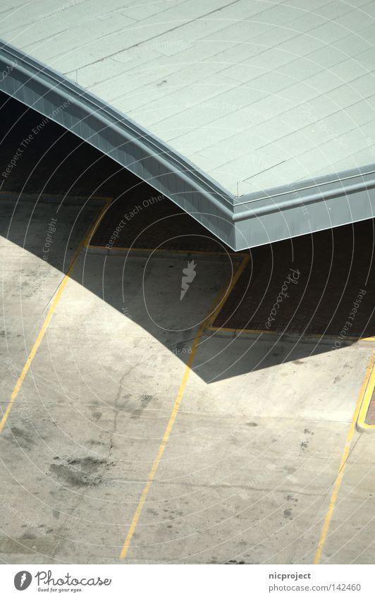 gut überdacht Sonne Architektur Beton Dach Parkplatz parken