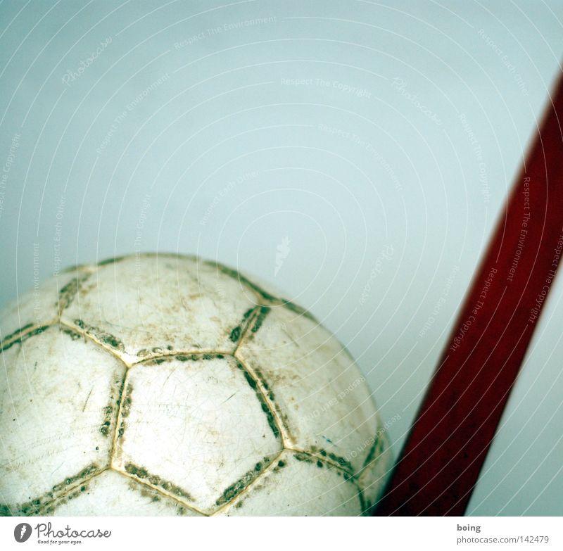 Ballspiele Fußball Leder Handball Naht Kugel rund weiß Sport Spielen Ballsport Freizeit & Hobby Lederball Fünfeck Schwache Tiefenschärfe Textfreiraum oben