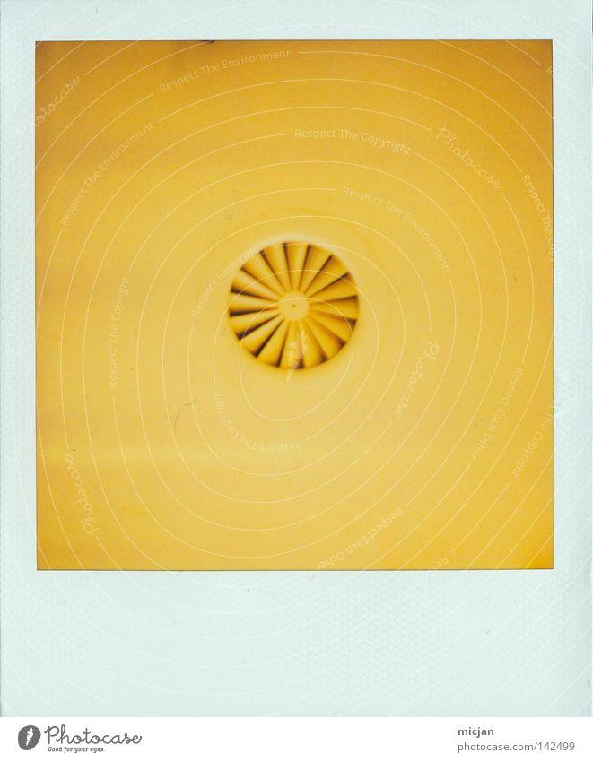 HH08.2 - Das Dings gelb Farbe Farbstoff Luft Fotografie Papier Kreis Bad rund Bild Punkt analog Rad obskur Fleck Fan