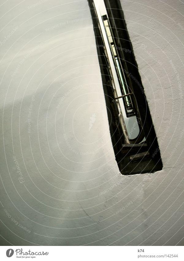 Treppenhaus schön weiß schwarz Architektur Geländer Treppengeländer Durchblick