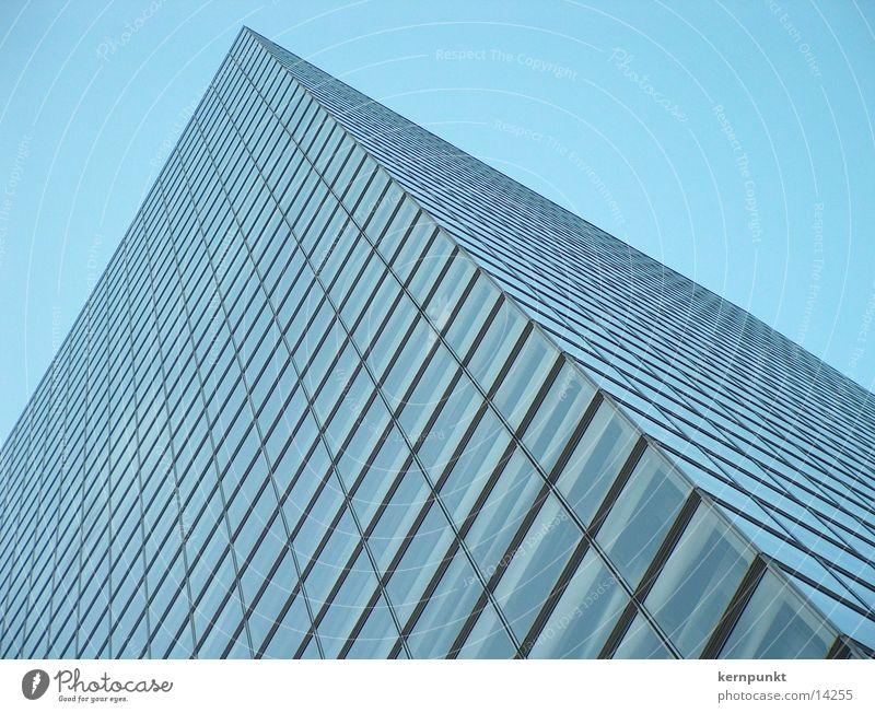 KölnTower von unten Himmel Architektur Hochhaus