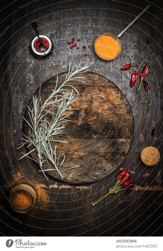Alte Schneidebrett und Gewürze Natur Gesunde Ernährung Haus gelb Leben Essen Foodfotografie Stil Hintergrundbild Lebensmittel Design Tisch