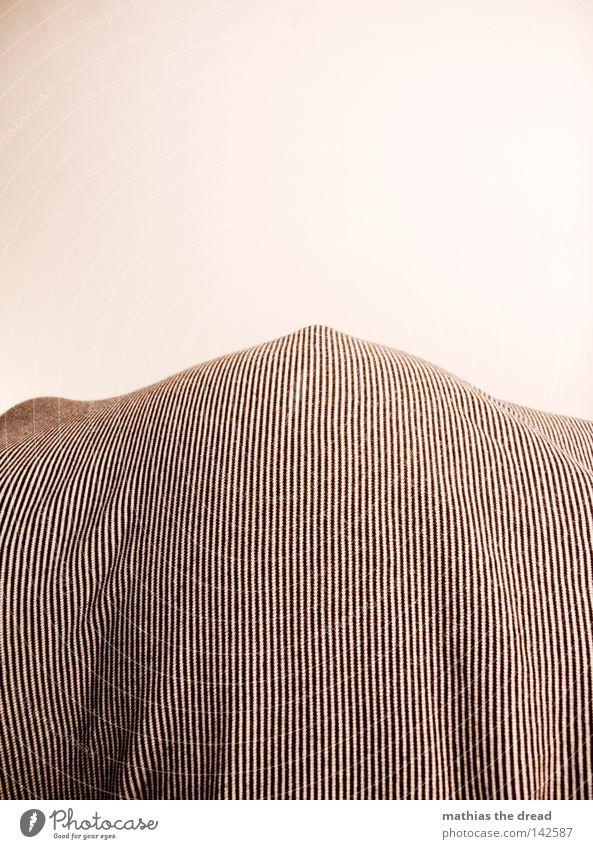 HOCH HINAUS Bettdecke Vor hellem Hintergrund