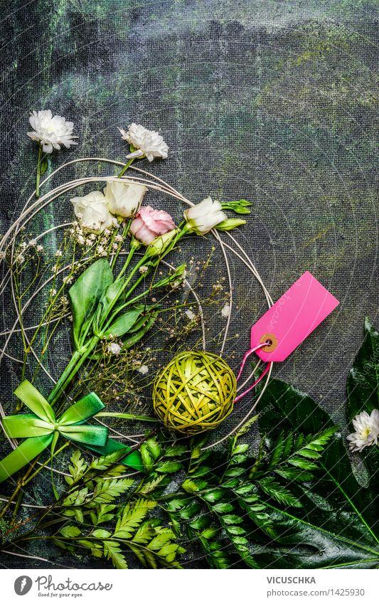 Schöne Blumen mit Blättern und Dekoration für Blumenstraus Natur Pflanze Innenarchitektur Stil Hintergrundbild Party rosa Design Dekoration & Verzierung