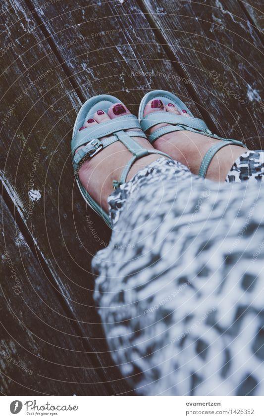 Green Feet feminin Junge Frau Jugendliche Erwachsene Haut Beine Fuß 1 Mensch 13-18 Jahre 18-30 Jahre 30-45 Jahre Wasser Sommer Moos Park Seeufer Flussufer