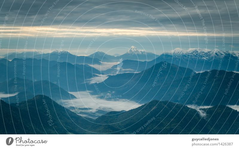 Morgens Umwelt Natur Landschaft Sonnenaufgang Sonnenuntergang Hügel Felsen Alpen Berge u. Gebirge Gipfel Schneebedeckte Gipfel wandern Unendlichkeit schön
