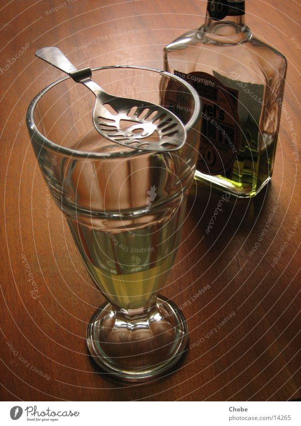 Grüne Fee? grün Holz Glas Flasche Alkohol Löffel Absinth