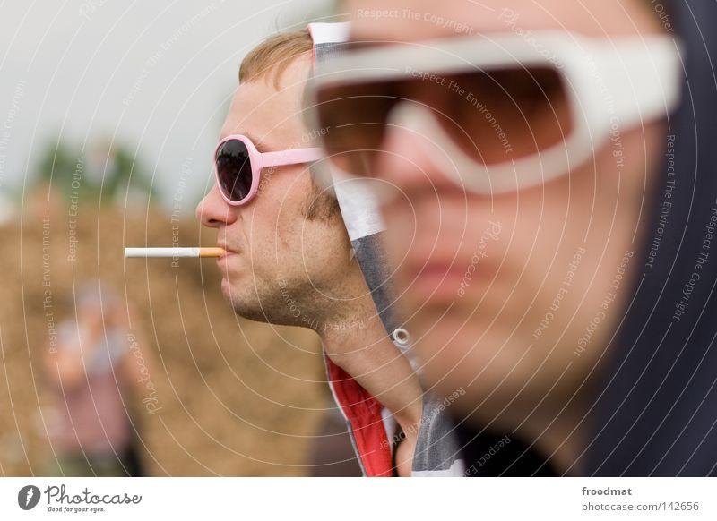 haste brille uff Jugendliche Sommer Gesicht Stil Mund Bekleidung Coolness retro Brille Rauchen Rauschmittel Publikum Sonnenbrille lässig Musikfestival Besucher