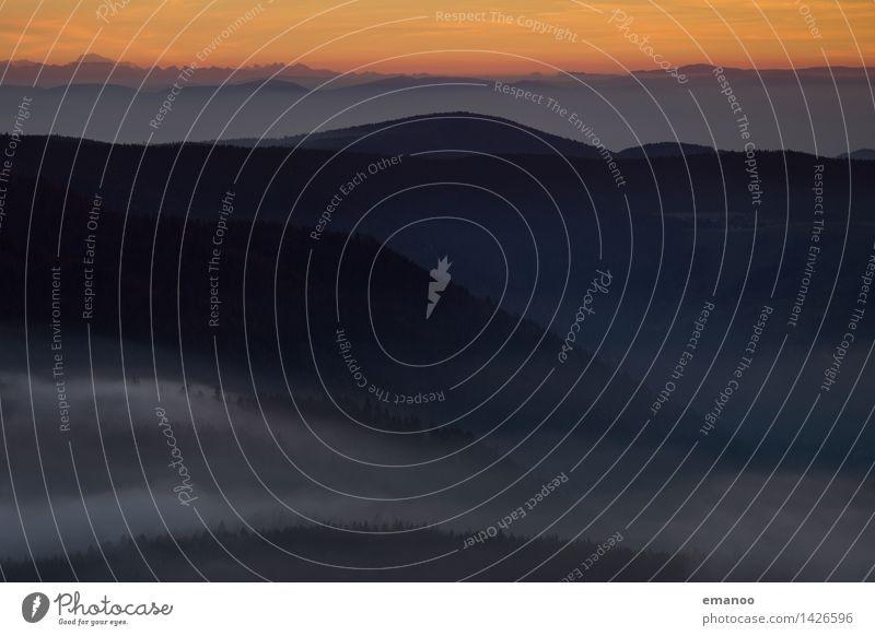 Abendnebel Himmel Natur Ferien & Urlaub & Reisen Landschaft Ferne dunkel Wald Berge u. Gebirge Herbst Freiheit Horizont Wetter Tourismus Luft Nebel wandern
