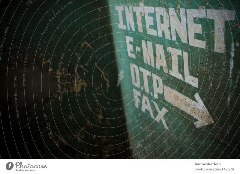 Indernett I Internet E-Mail Fax Telefon Telekommunikation Kommunizieren Indien Kontakt Pfeil grün Kontrast Richtung Wegweiser Schilder & Markierungen Kunst