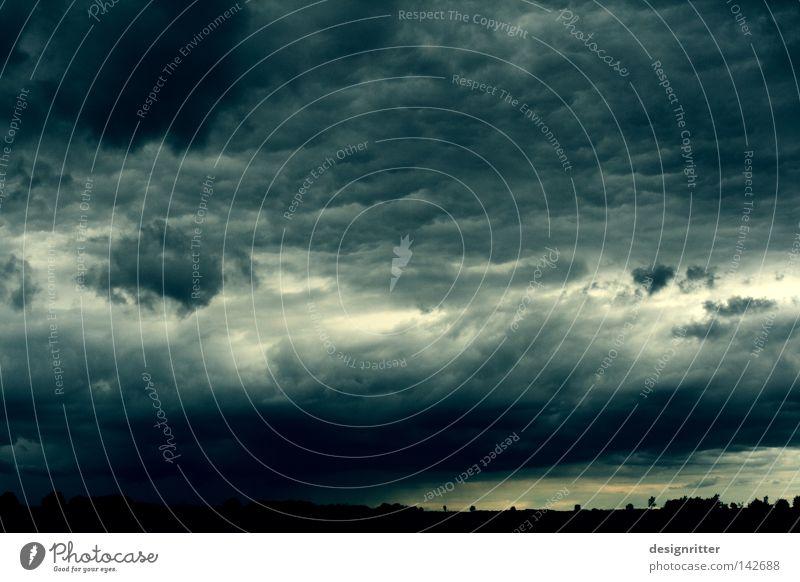 Sommer 2008 Himmel Wolken Wetter Meteorologie Unwetter Gewitter Regen Regenwolken Sturm Wind dunkel grün grau schlechtes Wetter