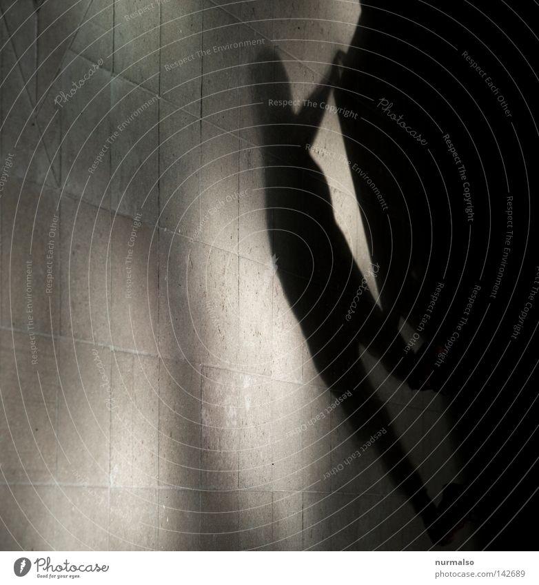 Geisterstunde Mensch dunkel Religion & Glaube Beine Raum Angst Arme Armut Suche Kirche Boden Bodenbelag Filmindustrie gruselig Quadrat
