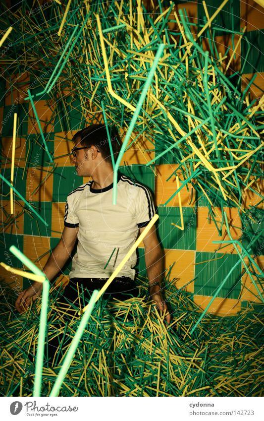 Suche im Trinkstäbchenhaufen Mensch Mann Jugendliche grün Freude Farbe gelb Leben Wand Berge u. Gebirge Gefühle Stil Stimmung Kraft fliegen Energiewirtschaft