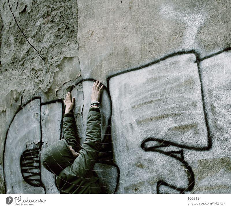 1x CLIFFhänger sein Mensch Jugendliche alt Hand Stadt Erholung Wand Graffiti Arbeit & Erwerbstätigkeit dreckig Arme Buchstaben Wunsch Ziel festhalten verfallen