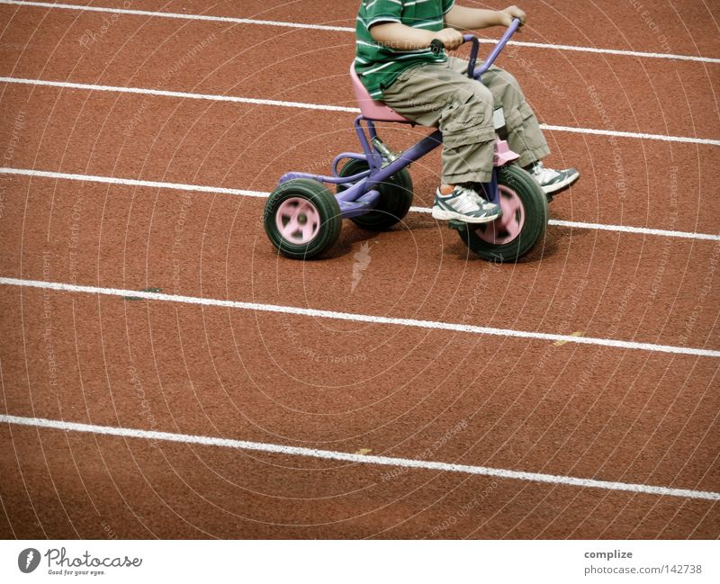 4 km/h Rennbahn Kind Dreirad Erwartung Leichtathletik Stadion Kindergarten Spielzeug fordern 2 3 Kleinkind Olympiade Geschwindigkeit Kilometer pro Stunde