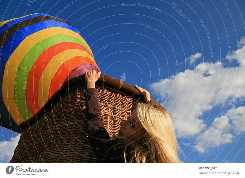 I am falling Ballone Luft Flugzeug fahren Frau gefährlich Luftverkehr hot air balloon USA flag bedrohlich Danger