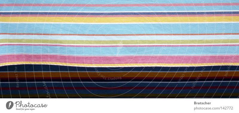 Sommer 2008. frisch Wäsche positiv vorwärts Strand Meer Wellen Sandstrand Strandkorb Sonnenstrahlen Ferien & Urlaub & Reisen Streifen träumen Dinge Farbe hell