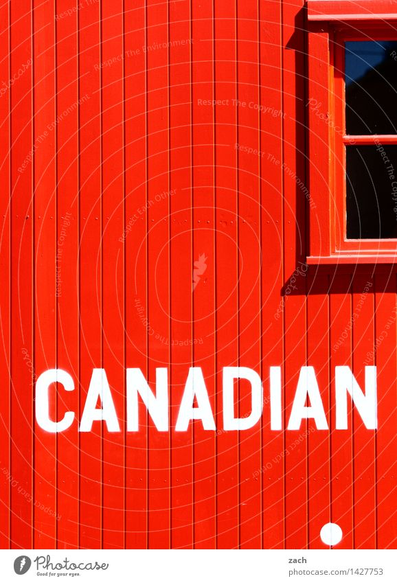 Mexiko Ferne Kanada Dorf Kleinstadt Haus Hütte Mauer Wand Fassade Fenster Holz Zeichen Schriftzeichen Schilder & Markierungen Häusliches Leben rot Farbfoto