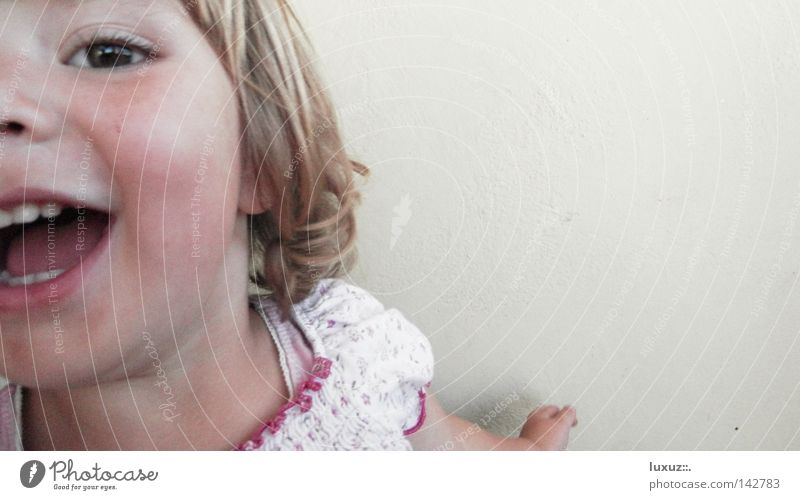 8, 9, 10, ich koooommee Fröhlichkeit Spielen Leichtigkeit Kind Mädchen Wange Euphorie Gesundheit Vorschule Kleinkind Kindergarten beweglich Freude Bildung