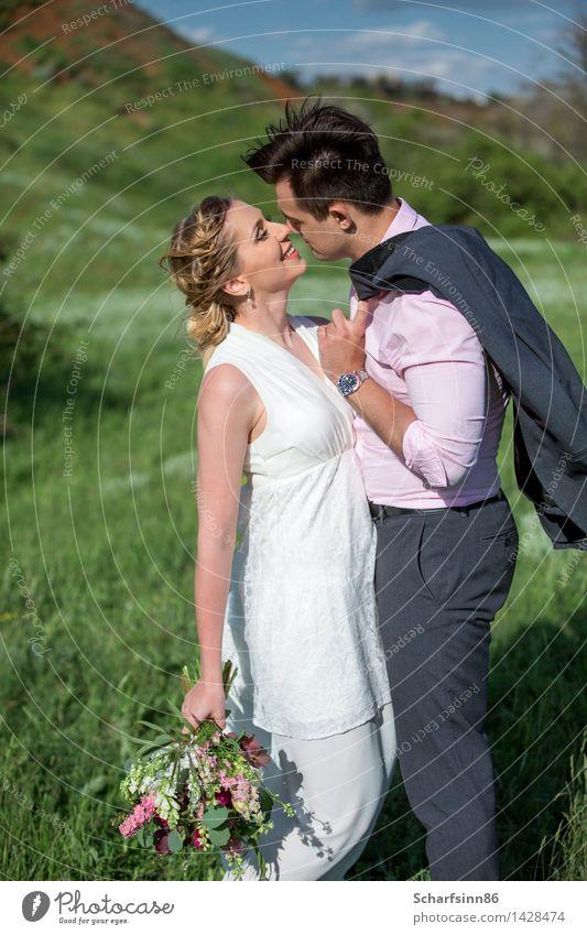 Braut und Bräutigam, Hochzeit, Boho Mensch Frau Mann schön Sommer Freude Berge u. Gebirge Erwachsene Leben Liebe Gefühle lachen Lifestyle Stimmung Paar