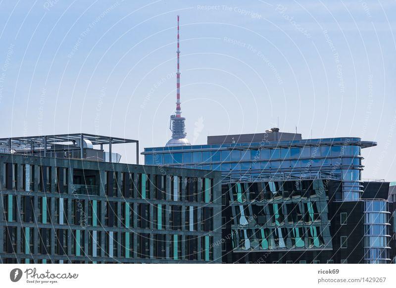 Ein modernes Gebäude in Berlin Ferien & Urlaub & Reisen Tourismus Haus Wolken Stadt Hauptstadt Stadtzentrum Bauwerk Architektur Sehenswürdigkeit Wahrzeichen