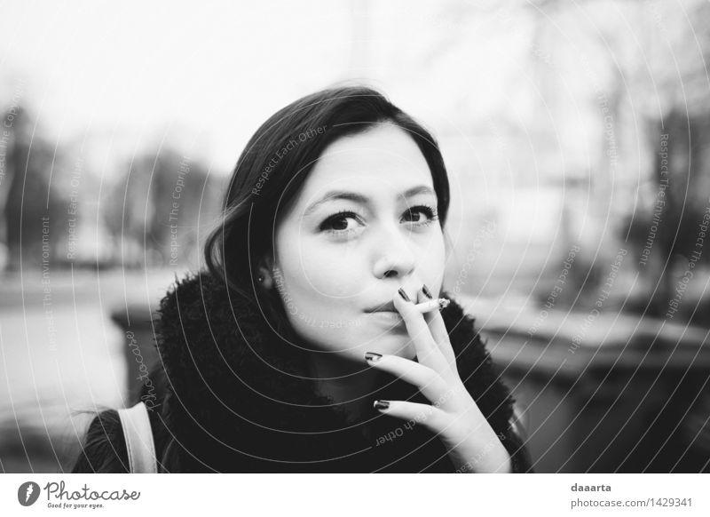 Moment zu stoppen Lifestyle elegant Stil Freude schön Schminke Nagellack Rauchen Leben harmonisch Freizeit & Hobby Ferien & Urlaub & Reisen Ausflug Abenteuer