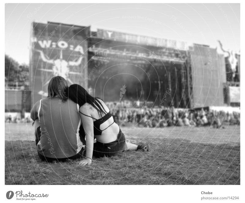 W:O:A 2004 - ein friedliches metallertreffen :) Kuscheln Erholung Konzert Open Air Mensch Paar Liebe Musik höre Musikfestival wacken paarweise Liebespaar
