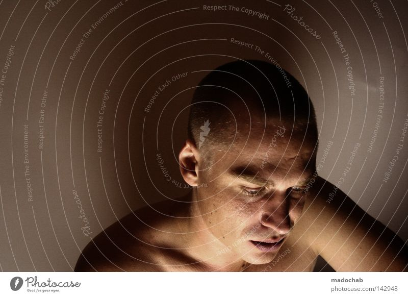 elf II Mensch Mann ruhig Gesicht Erwachsene Leben Kopf Traurigkeit Kraft Angst Mund maskulin Haut Nase Aktion Kraft