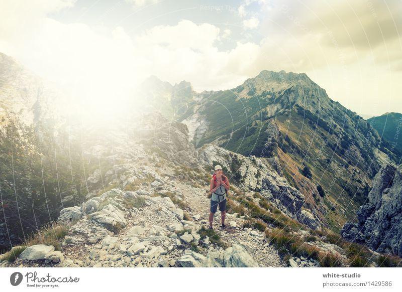 So früh und schon so weit oben! Mensch Frau Ferien & Urlaub & Reisen Sommer Freude Berge u. Gebirge Erwachsene Gefühle feminin Sport Gesundheit Lifestyle Freizeit & Hobby Tourismus wandern Erfolg