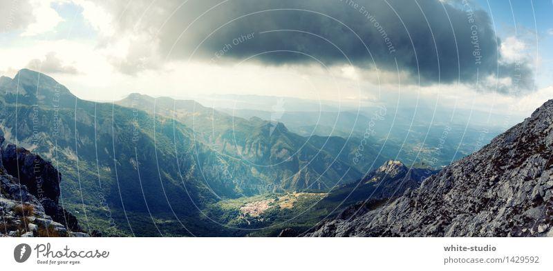 Dunkle Wolken ziehen auf! Ferien & Urlaub & Reisen Abenteuer Ferne Freiheit Expedition Berge u. Gebirge wandern Umwelt Natur Landschaft Hügel Felsen Alpen