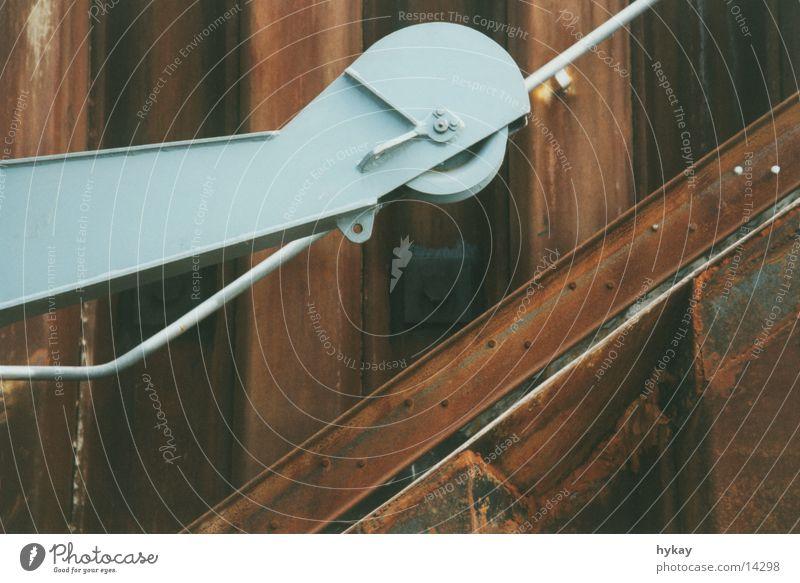 im hafen Wand Wasserfahrzeug Metall Rost Schifffahrt