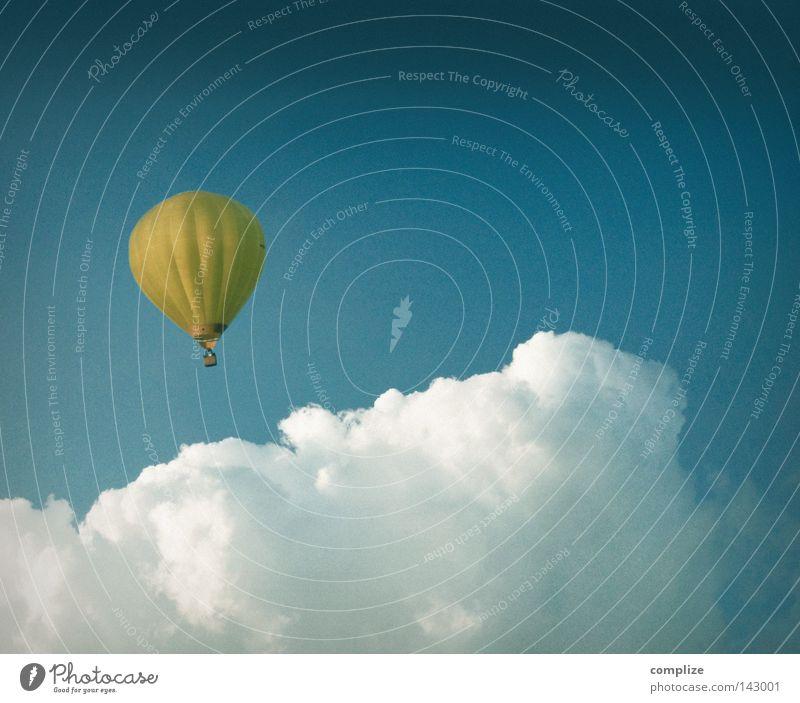 In 80 Tagen um die Welt Himmel Ferien & Urlaub & Reisen Wolken Ferne Freizeit & Hobby Ausflug fliegen Abenteuer Luftverkehr Ballone Schweben fliegend Ballonfahrt über den Wolken Vor hellem Hintergrund