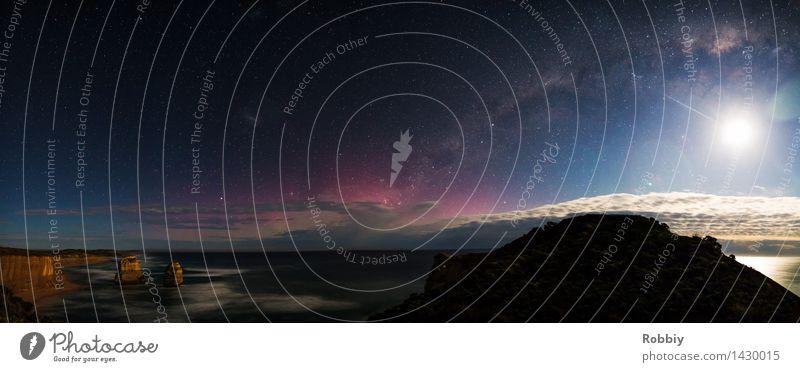 Galaxie trifft Erde Landschaft Himmel Nachthimmel Stern Horizont Mond Wellen Küste Meer Twelve Apostles Great Ocean Road Unendlichkeit Fernweh einzigartig