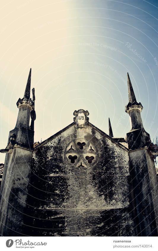 1879 Friedhof Grab Gotik Grabmal Gruft Gotteshäuser Trauer Verzweiflung Tod antik alt Architektur